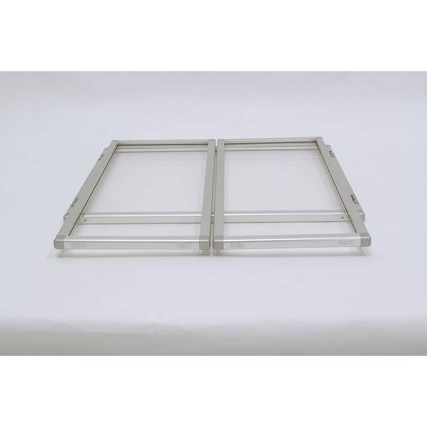 折りたたむことができる三面自立型
